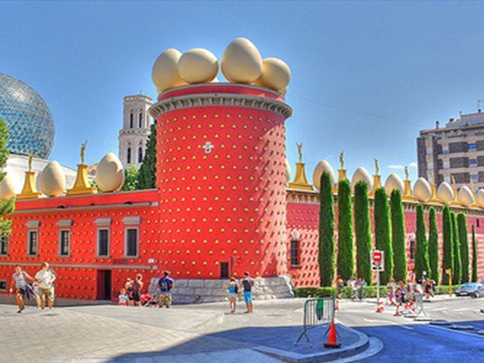 Figueres i Museu Dalí